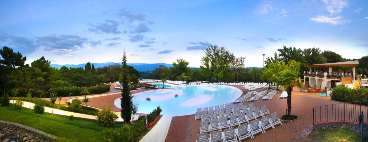 Premium Camping in der Toskana: Camping Norcenni Girasole Club