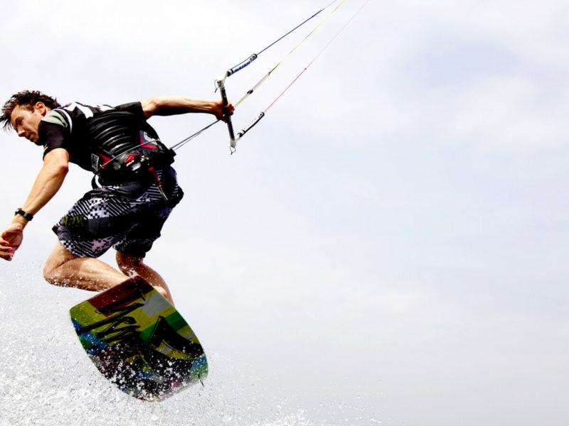 Die Top 10 Hotspots zum Kitesurfen in Europa - Premiumcamping.de